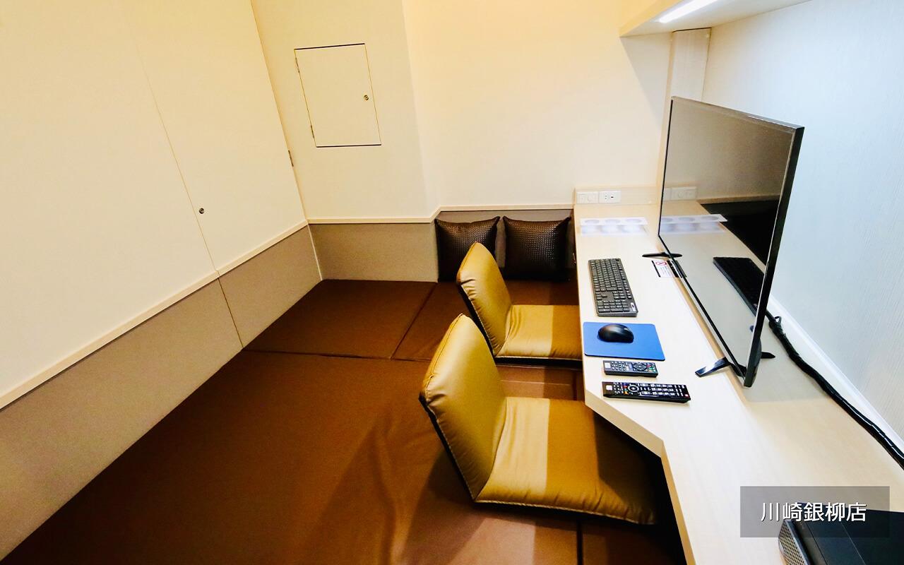 インターネットカフェ 鍵付防音完全個室